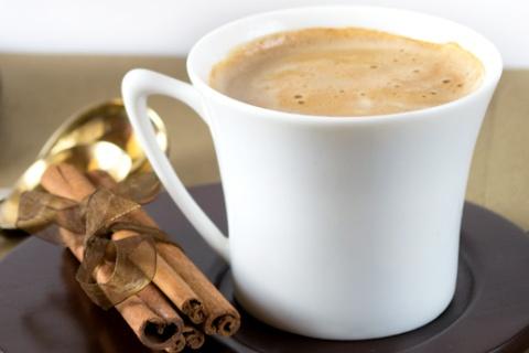 Almond-Milk-Latte
